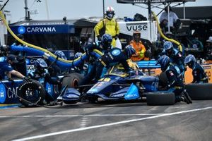 Jimmie Johnson, Chip Ganassi Racing Honda, pit stop