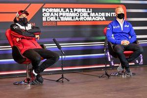 Kimi Raikkonen, Alfa Romeo Racing ve Nikita Mazepin, Haas F1 basın konferansında