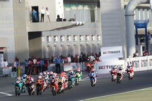 Start action, Gabriel Rodrigo, Team Gresini Moto3 leads