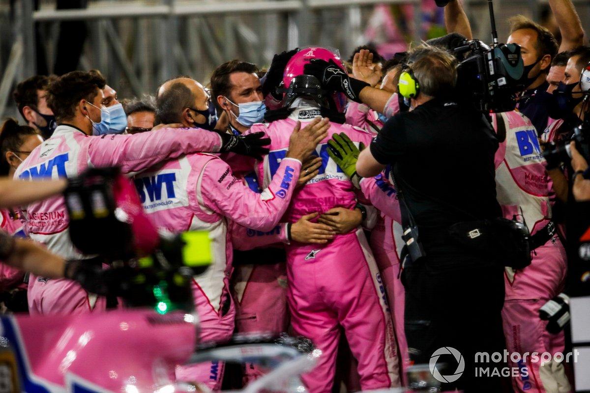 Sergio Perez, Racing Point festeggia la vittoria con il suo team