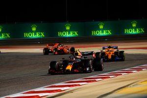 Alex Albon, Red Bull Racing RB16, Lando Norris, McLaren MCL35, and Sebastian Vettel, Ferrari SF1000