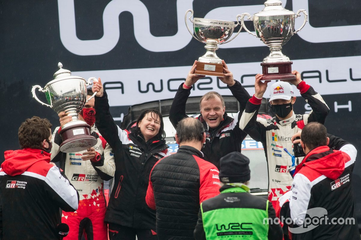 Podio: Sébastien Ogier, Toyota Gazoo Racing, Tommi Makinen, Toyota Gazoo Racing