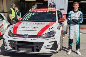 #1 Autorama Motorsport by Wolf Power Racing, Volkswagen Golf GTI TCR DSG: Yannick Mettler, Kim Holmgaard, Martin Vevel, Felice Jelmini, Mathieu Detry