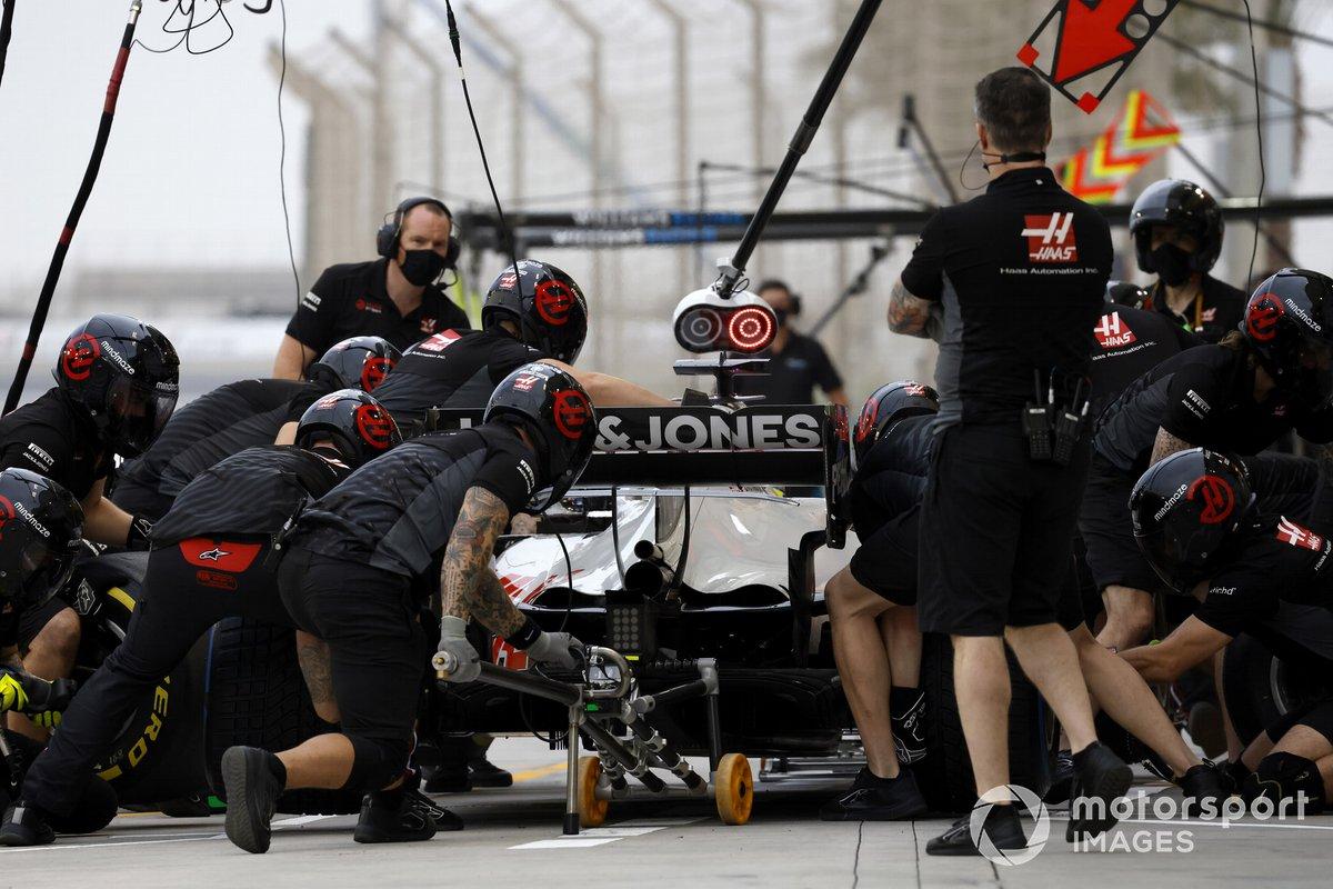 Romain Grosjean, Haas VF-20, fa uno stop