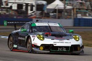 #88: Team Hardpoint EBM Porsche 911 GT3R, GTD: Katherine Legge, Christina Nielsen