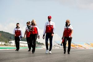 Antonio Giovinazzi, Alfa Romeo walks the track