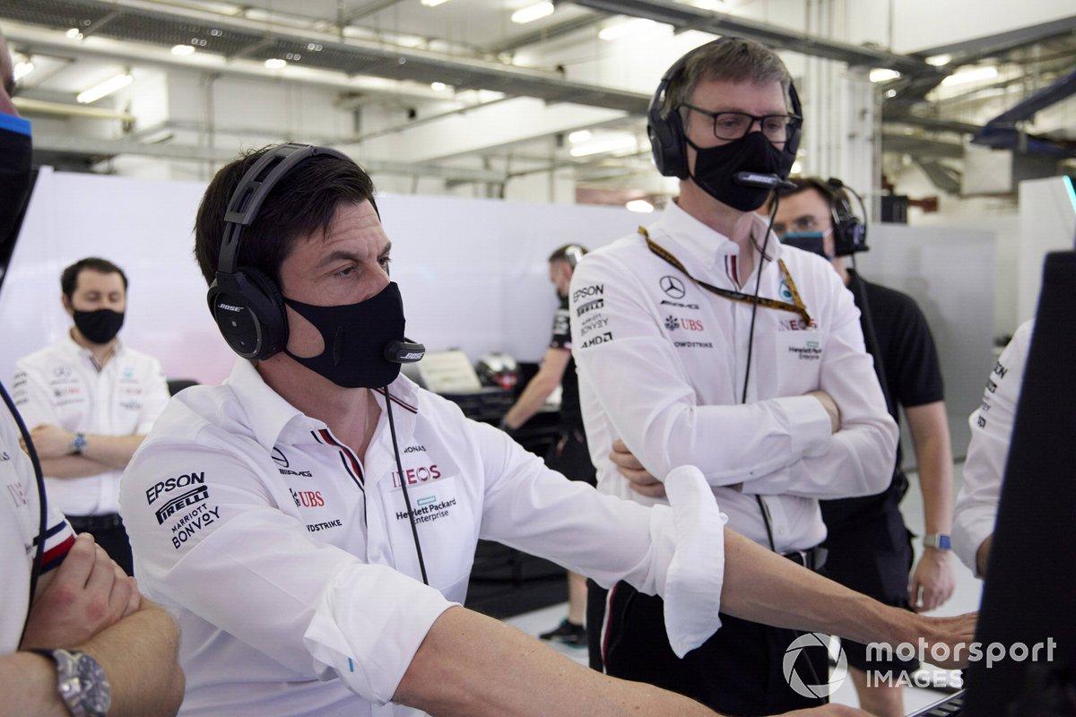 Toto Wolff, Team Principal e CEO, Mercedes AMG, e James Allison, Direttore tecnico Mercedes AMG