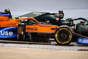 Lando Norris, McLaren MCL35M, Lance Stroll, Aston Martin AMR21