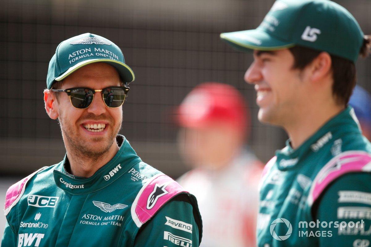 Sebastian Vettel, Aston Martin AMR21 y Lance Stroll, Aston Martin AMR21