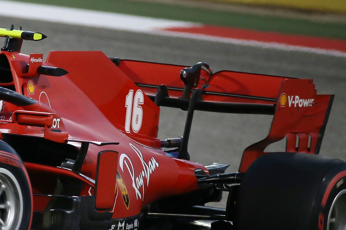 Dettaglio dell'ala posteriore di Charles Leclerc, Ferrari SF1000