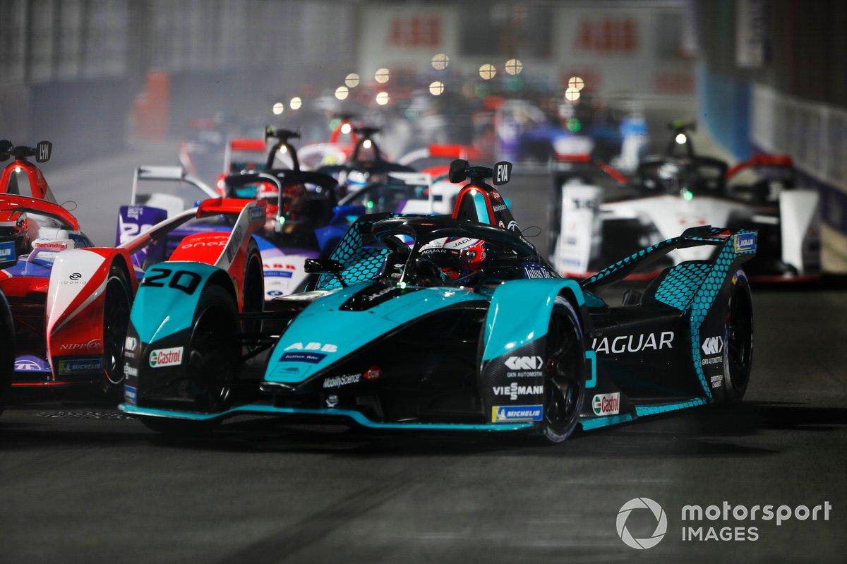 Mitch Evans, Panasonic Jaguar Racing, Jaguar I-Type 5, Maximilian Gunther, BMW I Andretti Motorsports, BMW iFE.21