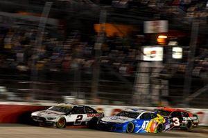 Brad Keselowski, Team Penske, Ford Mustang Discount Tire, Ricky Stenhouse Jr., JTG Daugherty Racing, Chevrolet Camaro Kroger/Little Hug