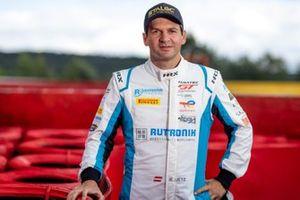 #21 Rutronik Racing Porsche 911 GT3-R: Richard Lietz