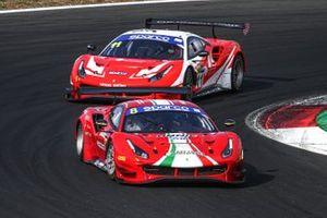 #8 AF Corse, Ferrari 488 GT3 Evo: Carrie Schreiner, Giorgio Roda, Antonio Fuoco, #11 Kessel Racing, Ferrari 488 GT3 Evo: Stephen Earle, Niccolò Schirò