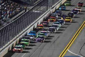 Ryan Blaney, Team Penske, Ford Mustang BodyArmor, Alex Bowman, Hendrick Motorsports, Chevrolet Camaro Ally