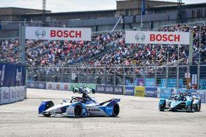 Maximilian Gunther, BMW i Andretti Motorsport, BMW iFE.21, Sam Bird, Jaguar Racing, Jaguar I-TYPE 5