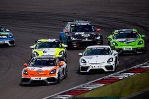 #976 Porsche 718 Cayman GT4 CS: Ben Bünnagel, Nico Otto, Nick Wüstenhagen