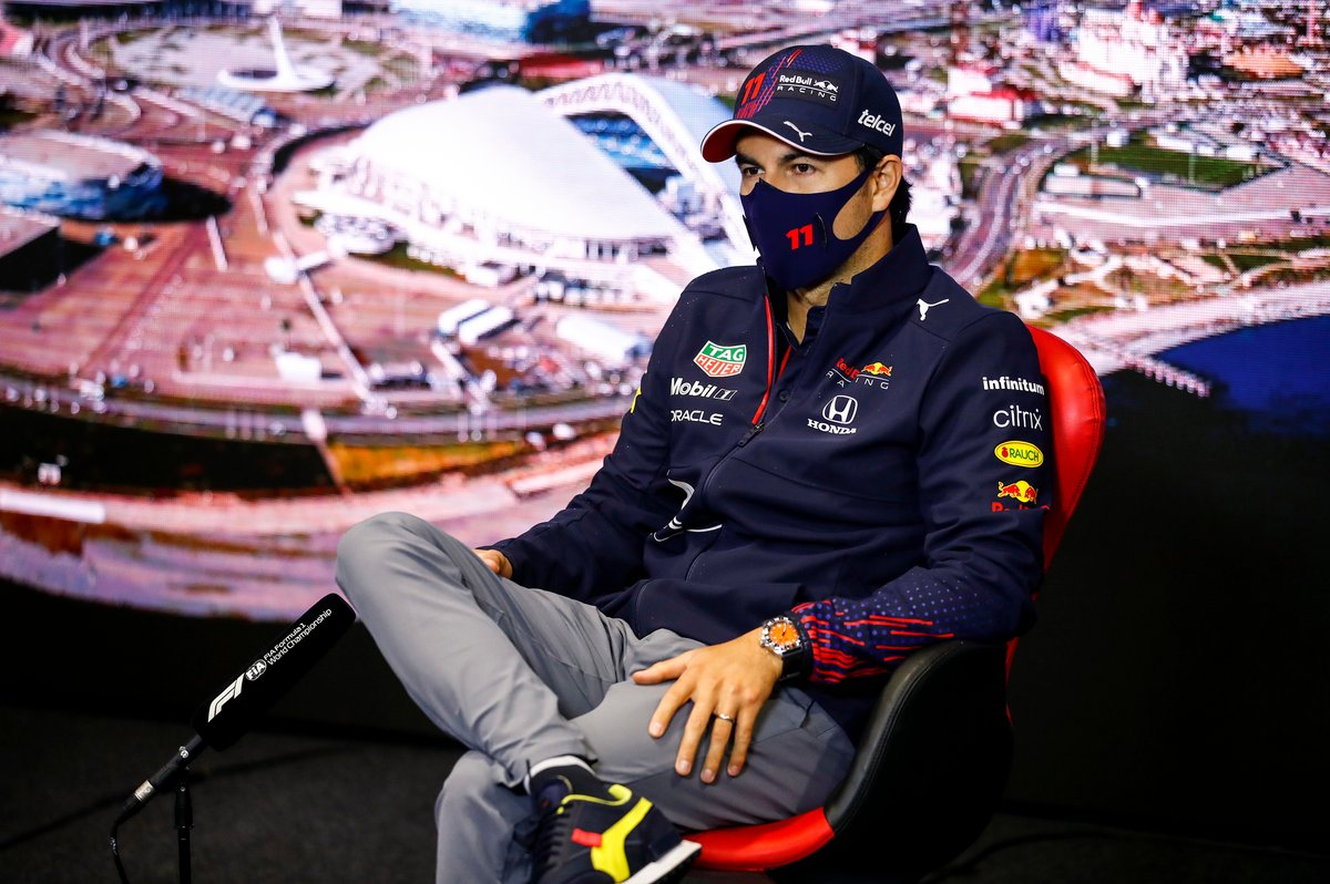 Sergio Pérez, Red Bull Racing en la rueda de prensa