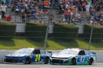 William Byron, Hendrick Motorsports, Chevrolet Camaro Hendrick Autoguard Darrell Wallace Jr., Richard Petty Motorsports, Chevrolet Camaro Victory Junction