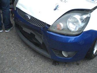 Пошкодження від зіткнення на машині Володимира Дрогомирецького