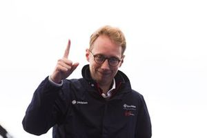 Sylvain Filippi, Managing Director & CTO, Virgin Racing, festeggia