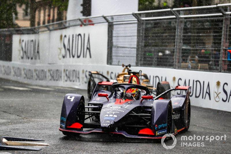 Robin Frijns, Envision Virgin Racing, Audi e-tron FE05, con el alerón dañado