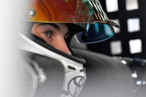 Chandler Smith, Kyle Busch Motorsports, Toyota Tundra Toyota Safelite AutoGlass