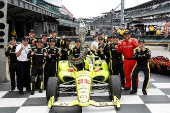 Simon Pagenaud, Team Penske Chevrolet, Victory Lane, team