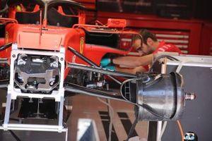 Ferrari SF90, front suspension