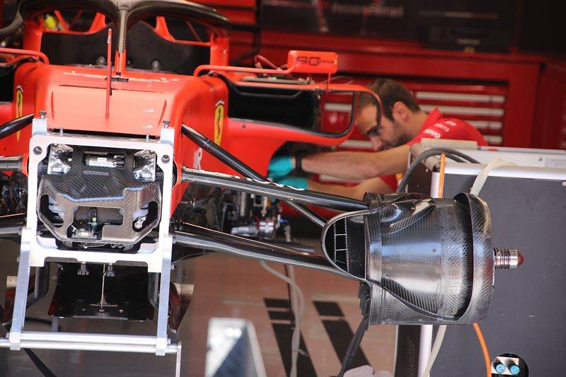 Ferrari SF90, sospensione anteriore