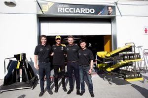 Engineering participants with Daniel Ricciardo