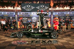 Josef Newgarden, Team Penske Chevrolet celebrates in victory lane