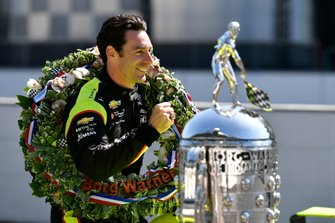 Simon Pagenaud, Team Penske Chevrolet with Borg-Warner trophy