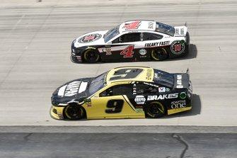 Chase Elliott, Hendrick Motorsports, Chevrolet Camaro NAPA Brakes, Kevin Harvick, Stewart-Haas Racing, Ford Mustang Jimmy John's