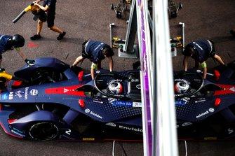 Sam Bird, Envision Virgin Racing, Audi e-tron FE05 est poussé dans le garage
