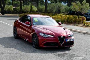 Antonio Giovinazzi, Alfa Romeo Racing arrives in a Alfa Romeo car