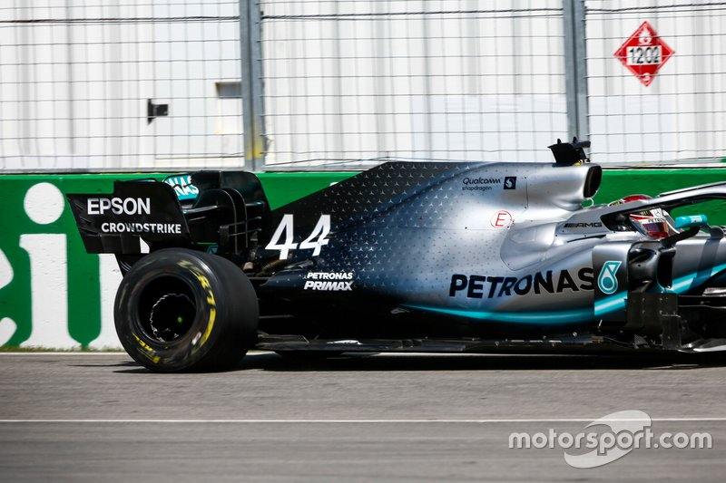 Damaged rear tyre of Lewis Hamilton, Mercedes AMG F1 W10 after hitting the wall