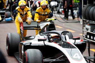 Nyck De Vries, ART Grand Prix in pit lane