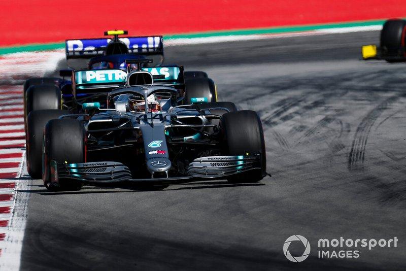 Льюіс Хемілтон, Mercedes AMG F1 W10, Алекс Албон, Toro Rosso STR14