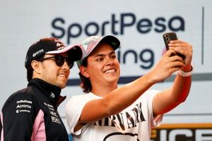 Sergio Perez, Racing Point takes a selfie with a fan