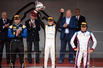 Nyck De Vries, ART Grand Prix Luca Ghiotto, UNI Virtuosi Racing e Nobuharu Matsushita, Carlin