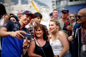 Alexander Albon, Toro Rosso takes a selfie with a fan