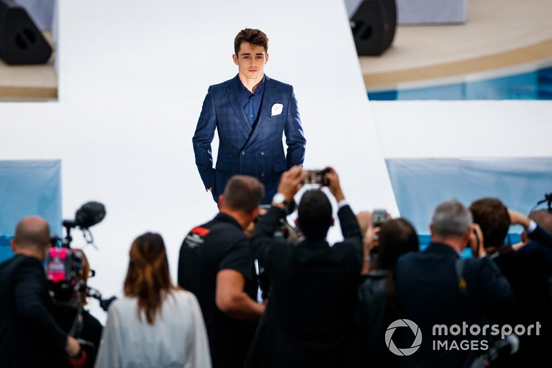 Charles Leclerc, Ferrari, Amber Lounge moda şovu
