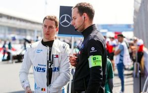 Stoffel Vandoorne, Mercedes Benz EQ, EQ Silver Arrow 01 on the grid with team members