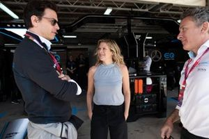 Toto Wolff with TV Presenter Jennie Gow, Alejandro Agag, Chairman of Formula E in the Mercedes-Benz EQ garage