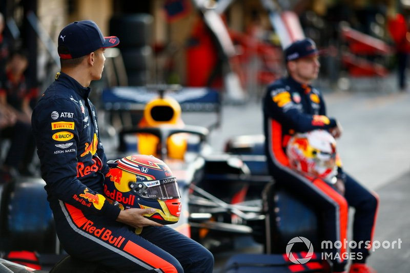 Max Verstappen, Red Bull Racing, and Alexander Albon, Red Bull Racing, pose for a group photo