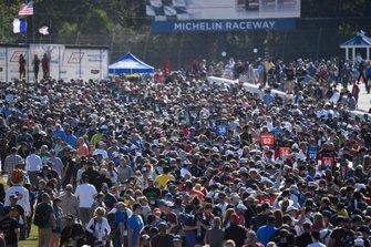 Fans - Pre Race Grid Walk