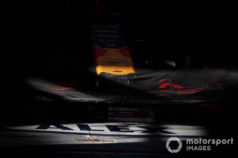 Hoja sobre el alerón delantero Red Bull Racing RB15