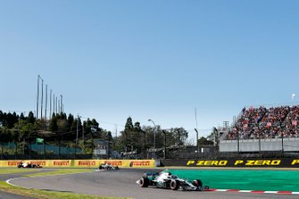 Valtteri Bottas, Mercedes AMG W10 devant Lewis Hamilton, Mercedes AMG F1 W10