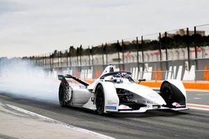 Neel Jani, Tag Heuer Porsche, Porsche 99x Electric, sgomma in pit lane